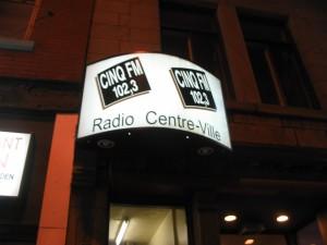 CINQ-FM 102.3 FM